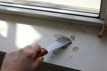 Как снять краску с подоконника